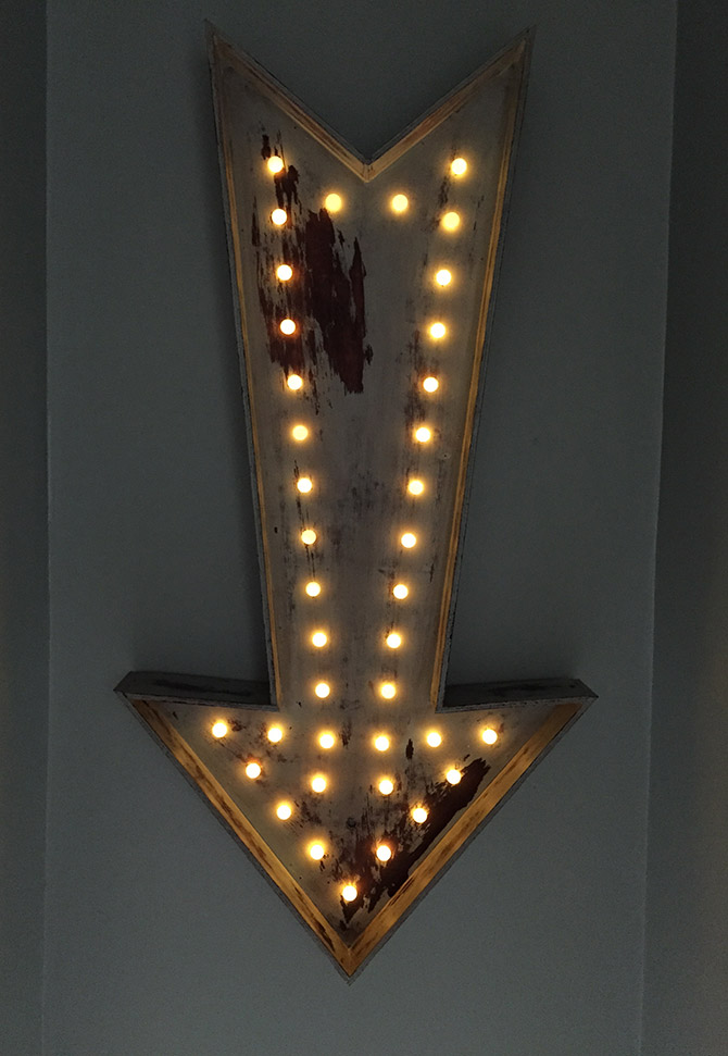 Vintage marquee bulb sign